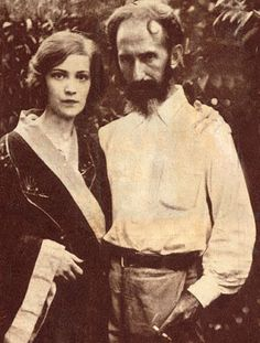 Horacio Quiroga and his second wife http://4.bp.blogspot.com/-EmN3bxMuFfk/Tu_rNhDlseI/AAAAAAAAXEo/ddNBLoOhnQU/s1600/File_2010710124029.jpg