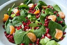 Vegan Sisters: Pomegranate Mandarin Leaf Toss (Sorry, Vegan Sisters! But I think I'll add some grilled chicken to mine. Sandwich Sides, Salad Sandwich, Pomegranate Salad, Fruit Salad, K Food, Soup And Salad, Grilled Chicken, Salad Recipes, Spinach