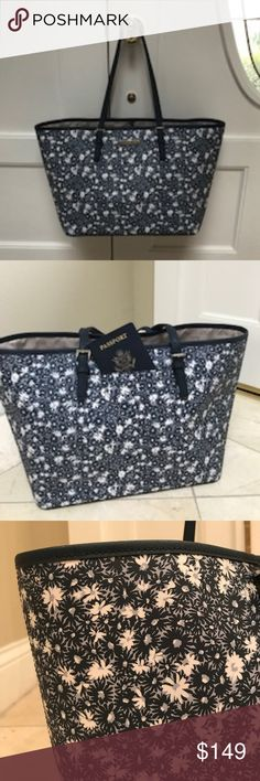 74f82c6a9627 NWT Michael Kors Large Jet Set Travel Tote $298 Michael Kors Navy/White  Floral Jet