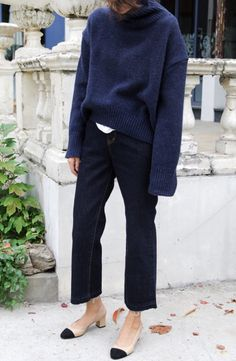 Navy sweater + black pants + Chanel shoes Street style, street fashion, best street style, OOTD, OOTD Inspo, street style stalking, outfit ideas, what to wear now, Fashion Bloggers, Style, Seasonal Style, Outfit Inspiration, Trends, Looks, Outfits.