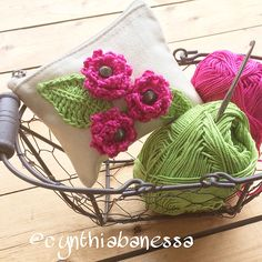 Cynthia Banessa | Canvas Pouch with Crochet Flowers | http://cynthiabanessa.com