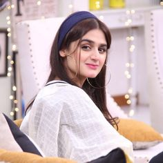 Hira Salman also known as Hira Mani, is a Pakistani television actress, host and former VJ. Hira has established a career in the Urdu television industry. Pakistani Models, Pakistani Girl, Pakistani Actress, Stylish Girls Photos, Stylish Girl Pic, Cute Celebrities, Celebs, Beautiful Status, Hira Mani