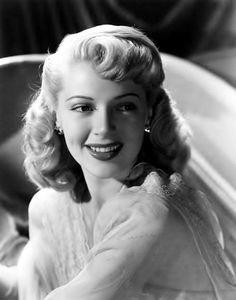 Lana Turner beaming her beautiful smile. #vintage #1940s #actresses