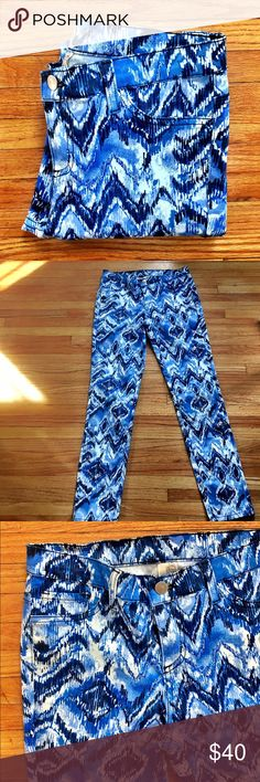 """Francesca's Collections Aztec print blue jeans Excellent condition, worn once. Aztec/ikat print skinny jeans from Francesca's in shades of blue. 5 pocket style. Stretchy. Cotton/spandex. Inseam is 28"""". Leg opening is 5.5"""" flat. Francesca's Collections Jeans Skinny"""