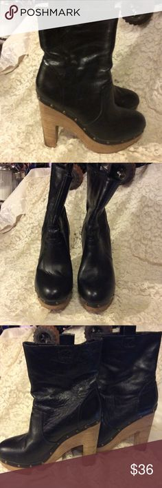 "Black Dolce Vita heeled boots LOWEST PRICE! In good used condition, the outside doesn't show any wear ....but the inside on one Boot (right) around the top you can see the wear. But no one will see it!  These have 5"" heel on them. And these are size 8.5 Dolce Vita Shoes Heeled Boots"