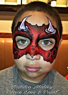A great horned Red monster Monster Face Painting, Dragon Face Painting, Face Painting For Boys, Face Painting Designs, Halloween Make Up, Halloween Face, Dragons, Dragon Makeup, Monster Makeup