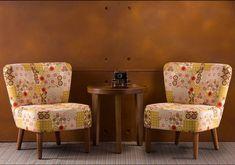 Wandgestaltung in Rostoptik mit Fiberglas Kunststoff- Wandpaneele. Ottoman, Chair, Design, Furniture, Home Decor, Wall Cladding, Bamboo, Wall Design, Wood