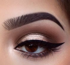"Beautybychelsea on Instagram: ""Halo look using @anastasiabeverlyhills master palette by @makeupbymario @norvina Brows: @anastasiabeverlyhills • Dipbrow pomades in ""Ebony""…"""