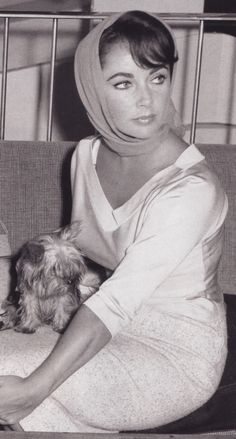 Elizabeth Taylor <3 http://www.facebook.com/MormorsStuer