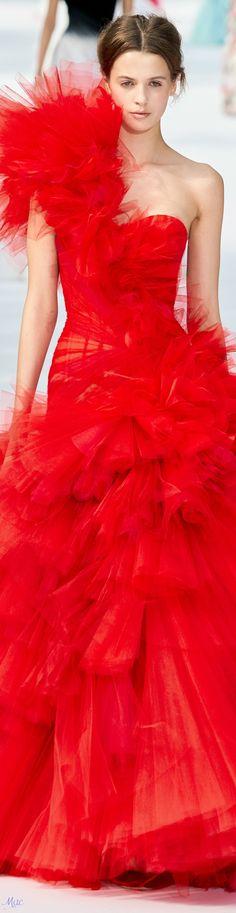 2020 Fashion Best Dresses - Best of 2020 Fashion for Women's Style Men's Style Haute Couture Paris, Couture Week, Haute Couture Fashion, Red Fashion, Runway Fashion, Fashion Show, Fashion Brands, Antonio Marras, Dolce & Gabbana