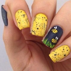 A really cute looking nail art design in yellow theme.