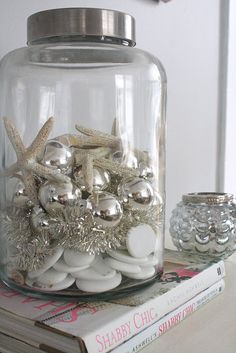 Beautiful idea...could also make a vacation memory jar or Halloween or Christmas theme, BDay, endless possibilities.