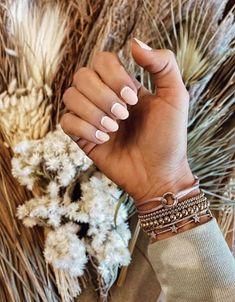 5 Μοντέρνα γαλλικά μανικιούρ που πρέπει να δοκιμάσεις! | ediva.gr Colorful Nail, Disco Roller Skating, 30th Birthday Parties, Florence Italy, Nail Inspo, Nail Arts, Toe Nails, Nails Inspiration, Acrylic Nails
