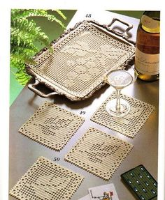 Filet Crochet tray mat and coasters - Grapes and Grape Leaves. Crochet Placemats, Crochet Table Runner, Crochet Doily Patterns, Crochet Squares, Crochet Motif, Crochet Designs, Crochet Doilies, Knit Crochet, Crochet Coaster