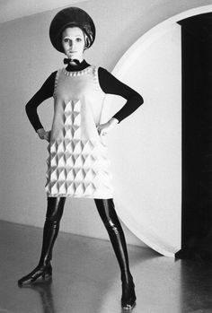 Brooklyn Museum's 'Pierre Cardin: Future Fashion' is out of this world 60s And 70s Fashion, Mod Fashion, Fashion Moda, Vintage Fashion, Sporty Fashion, Style Année 60, Style Retro, Mode Style, 1960s Style