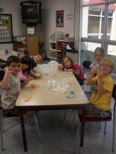 That Little Art Teacher: Kindergarten: Teaching with Art Centers