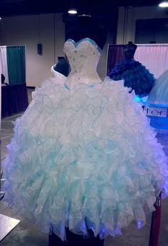 Quinceanera Dresses in Dallas TX | Dress Shops Dallas | 15 Dresses DFW | My Dallas Quinceanera