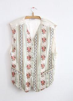 Kaufe meinen Artikel bei #Kleiderkreisel http://www.kleiderkreisel.de/damenmode/westen/114102056-vintage-weste-tracht-hipster-oversized-bestickt-stickerei