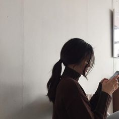 Korean Aesthetic, Aesthetic Hair, Ulzzang Korean Girl, Uzzlang Girl, Pretty Photos, Brunette Girl, Foto Pose, Girl Photography, Girl Photos