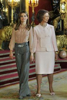 El riguroso protocolo de la Casa del Rey es muy preciso a la hora de invitar a la recepción de la Fiesta Nacional en el Palacio Real.