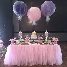 #caketable #3ftballoons #jumboballoons #tulle #celebratingcrew #balloonssydney #balloonbouquet #balloondecor #balloons #christening #birthdayballoon