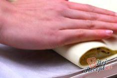 Ultra rychlý oběd nebo večeře z listového těsta | NejRecept.cz Gold Rings, Top Recipes, Food Dinners, Food And Drinks, Cooking, House