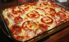 Pølsegrateng med tomat og ost Pepperoni, Food And Drink, Pizza, Favorite Recipes, Homemade, Dinner, Cooking, Recipes, Cuisine