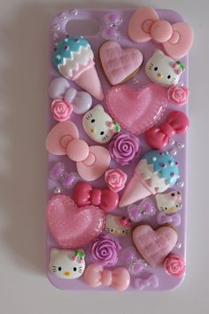 Pin by 어 ㅂ바 on hello kitty чехлы. Biscuit, Hello Kitty, Decoden Phone Case, Phone Background Patterns, Phone Mockup, Budget Template, Breakfast For Kids, Green Pattern, Fall Halloween