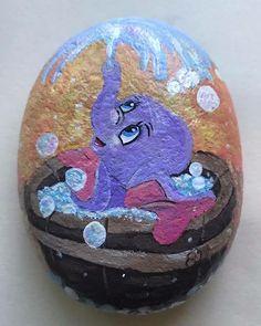 #dumbo #disney #bubbles #stonepainting #rockpaintings #rockpainting #rockart #stoneart #pebbleart #art #art #skagitcountyrocks