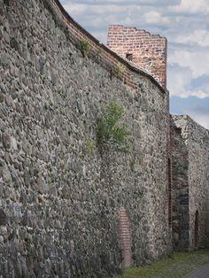 Gransee-Stadtmauer-Feldstein : Gransee, Landkreis Oberhavel, Land Brandenburg, Deutschland - mittelalterliche Stadtmauer