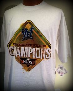 MILWAUKEE BREWER 2011 NATIONAL LEAGUE CENTRAL DIVISION CHAMPIONS ADULT XL TSHIRT #MLB #MilwaukeeBrewers