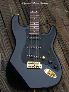 Guitar Art, Music Guitar, Cool Guitar, Playing Guitar, Guitar Painting, Fender Stratocaster, Fender Guitars, Cool Electric Guitars, Electric Guitars
