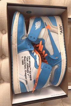 Jordan Shoes Girls, Girls Shoes, Sneakers Fashion, Shoes Sneakers, Kd Shoes, Shoes Style, Sneaker Store, Converse, Nike Basketball Shoes
