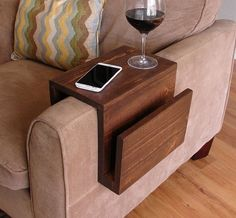 Couch table simply awesome couch sofa arm rest wrap tray table with side storage slot projects cool couches couch table arm rest table under couch table diy Diy Furniture, Furniture Design, Furniture Chairs, House Furniture, Furniture Market, Handmade Furniture, Furniture Plans, Rustic Furniture, Office Furniture