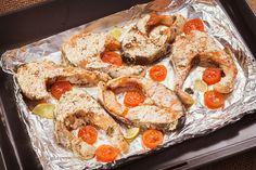 Pstrąg z grilla z dodatkiem suszonych pomidorów i pietruszki