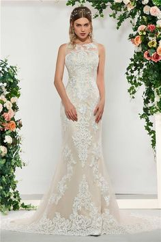 b6bc40902e5c 20 Best Absolutely Beautiful Brides Wedding Dress Hire images ...