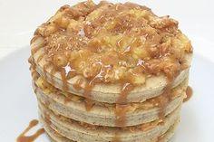Tiramisù Pancakes al latte di soia con grano saraceno e nocciole farcito con fichi freschi