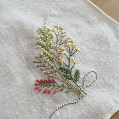 The Beauty of Japanese Embroidery - Embroidery Patterns Hand Embroidery Projects, Hand Embroidery Designs, Embroidery Techniques, Ribbon Embroidery, Floral Embroidery, Cross Stitch Embroidery, Embroidery Patterns, Embroidery Shop, Brazilian Embroidery