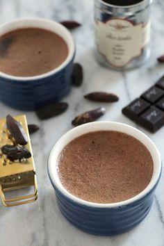 Crèmes au chocolat et à la fève tonka
