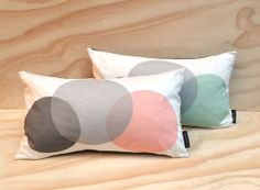 Set of 2 cushion covers // Circles in grey, coral and mint // 50 x 30cm // 20 x 12 inch