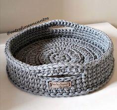 Crochet Bowl, Crochet Basket Pattern, Crochet Yarn, Crochet Patterns, Crochet Decoration, Crochet Home Decor, Crochet Storage, Crochet Projects, Weaving