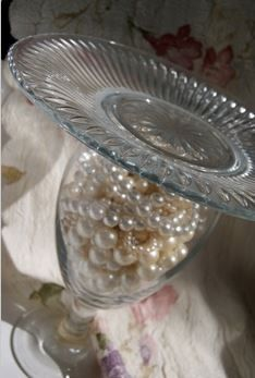 Easy pearl decor fill with sand and pearls