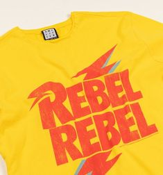 rebel rebel tee Rock Chick Style, Statement Tees, Street Style Trends, Slogan Tee, Style Guides, Rebel, Retro Fashion, Casual Shirts, Black And Grey