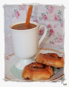 Cocinando... un abril encantado: Comencemos el 2014 como se merece.... ¡¡con un buen desayuno!! Caramel&Apple cinnamon rolls http://cocinandounabrilencantado.blogspot.com.es/2013/12/comencemos-el-2014-como-se-merece-con.html