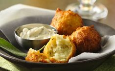 Potato and Sage Fritters with Lemon Aioli ~ Light potato fritters with a lemony sauce - serve for a party appetizer. Lemon Sauce, Garlic Aioli, Beignets, Appetizers For Party, Appetizer Recipes, Party Recipes, Great Recipes, Favorite Recipes, Appetizers