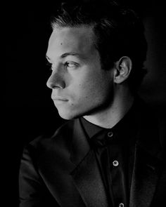 p: finn cole Finn Cole, Joe Cole, Deran And Adrian, Animal Kingdom Tv Show, The Originals Characters, Eleven Stranger Things, Peaky Blinders, Millie Bobby Brown, Man Crush