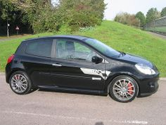 2007 Renaultsport Clio 197 R27 F1 Team Deep Black by Steve Coulter Performance Cars.