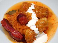 Töltött káposzta Serbian Recipes, Hungarian Recipes, Street Food, Sausage, Bacon, Rolls, Food And Drink, Cooking Recipes, Yummy Food