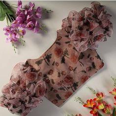 Saree Jacket Designs, Blouse Designs High Neck, Cutwork Blouse Designs, Wedding Saree Blouse Designs, Silk Saree Blouse Designs, Fancy Blouse Designs, Blouse Patterns, Girls Frock Design, Long Dress Design
