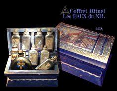 Coffret précieux, Eaux Lustrales et Sable Magnétique. Collection Artefact d'Art Ars Oculus chez Charme & Sortilège en exclusivité.
